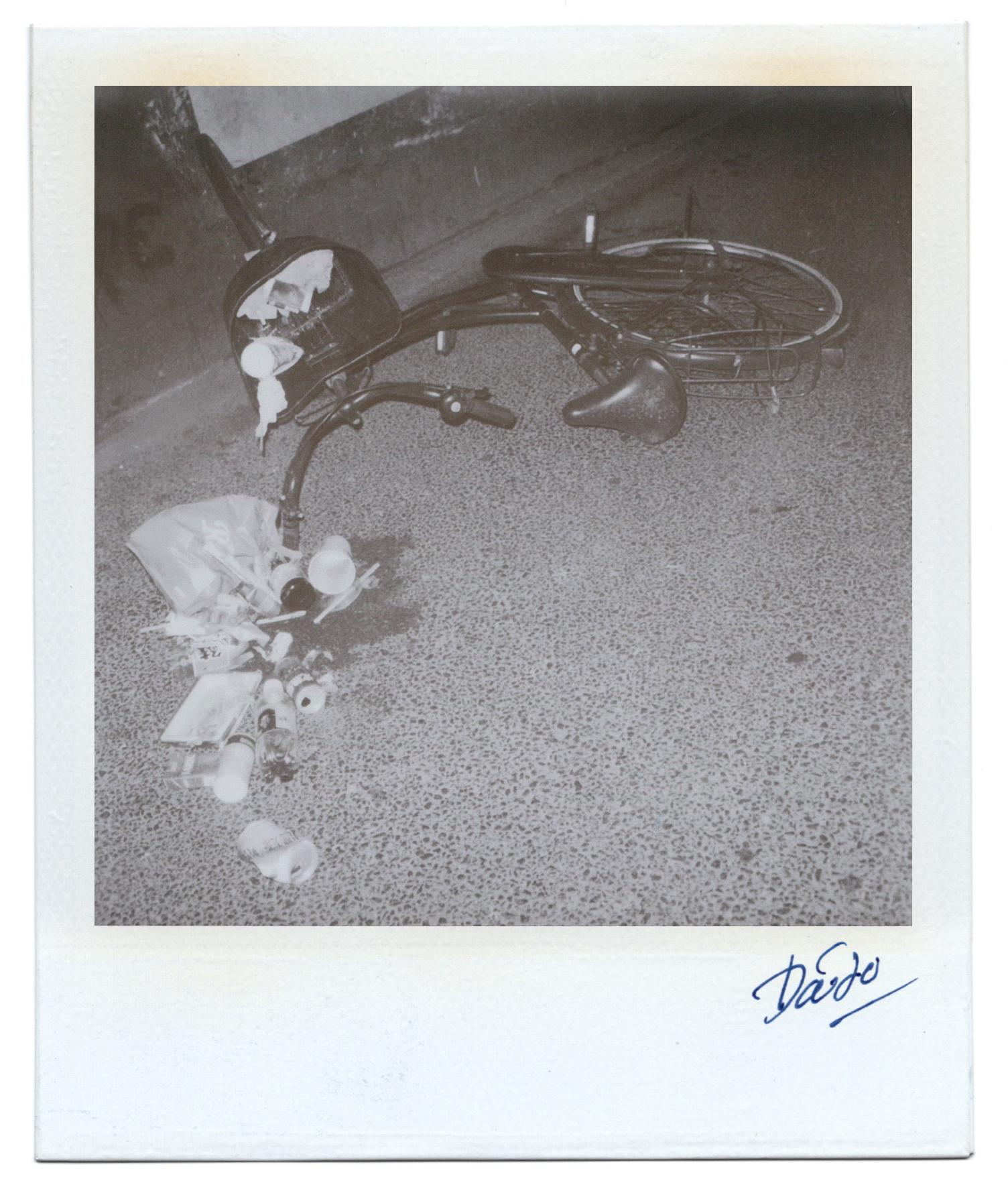 Moriyama Daido, Passage, 1998, Polaroid, 11 x 9 cm2